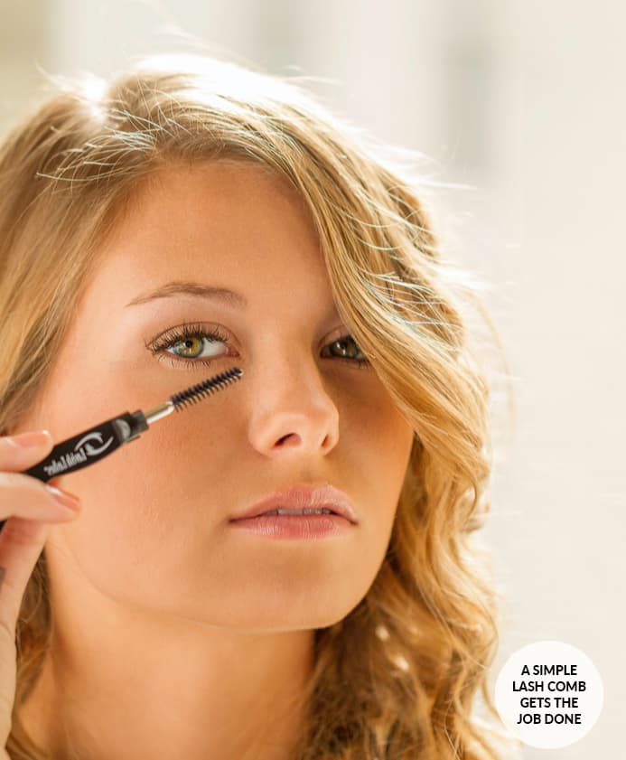 Lavish Lashes Model With Comb Brush